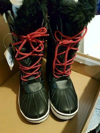 BNWT ladies winter boots in size 7 542 km