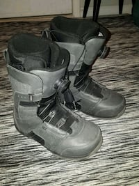 hardly worn ride snowboard boots London, N6K 2K7