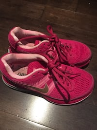 Nike running shoes excellent condition Mississauga, L5K 1H5