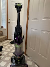 Bissell pet  vacuum McMinnville, 97128