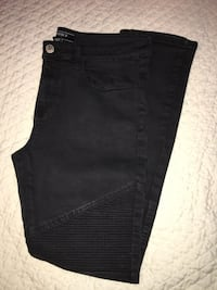 Black Stacked Skinny Jeans Size 33 Arlington, 22207