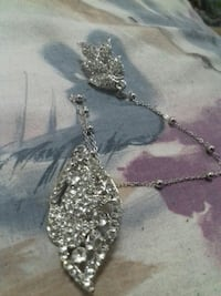 silver chain necklace with silver pendant Waterloo