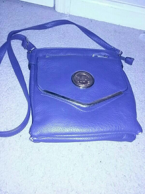 fc8e7e10e Used blue leather michael kors crossbody bag for sale in Columbus - letgo
