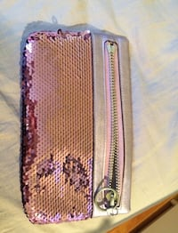 Coach sequin clutch. Used once, mint condition  Toronto, M3M