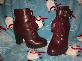 Woman's size 8 High heel combat boots