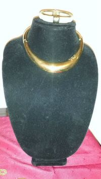 Mid century modern goldtone collar and bracelet  London, N5Y 5E4
