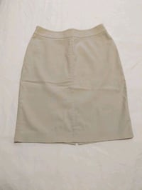 Beige skirt size 2 or size 25-26 inch waist like new