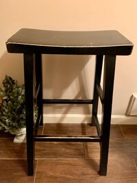 Distressed Design Solid Wood Bar Stool