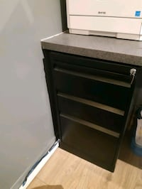 3 drawer file cabinet Toronto, M6S 1N5