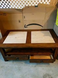 Coffee Table - solid wood (needs new inserts) Myersville, 21773