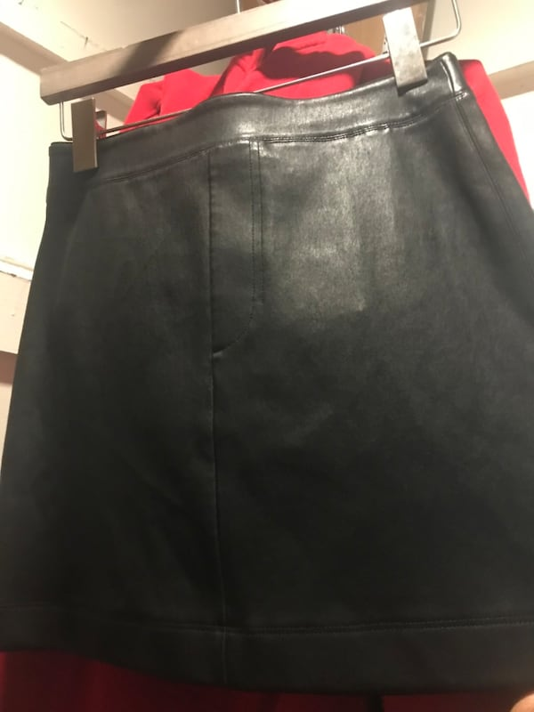 Leather skirt 19ae781a-bc08-4548-8b69-8c0984b65a4c