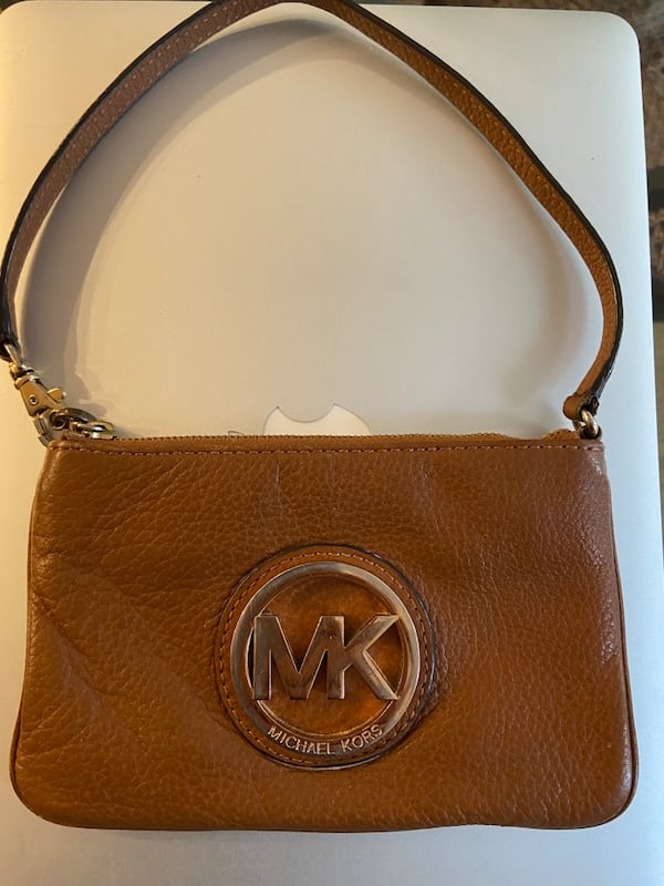 MK BROWN LEATHER Pouch d1c94a06-2cf6-4937-94e5-e40da6dc1a49