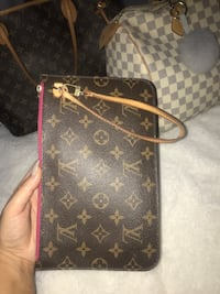 Authentic Louis Vuitton Clutch Delta, V4C 6Z8