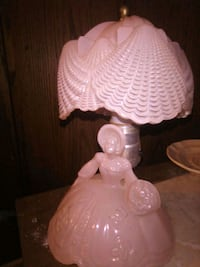 Pink lady antiquities,end table lamps Redding, 96001