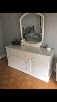 large white solid wood bedroom dresser furniture with mirror included New Tecumseth, L0G 1W0