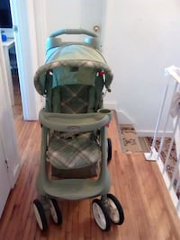 baby's green and gray stoller weri good condition Winnipeg, R2M 1K3