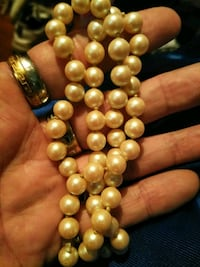 Real pearls valued at 1k St. Louis, 63111