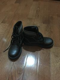 NEW kids boots - size 2