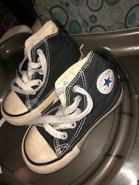 Size 5 converse toddler shoe Mississauga, L5A 3Y2
