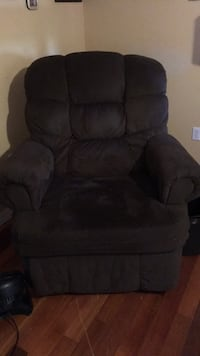 Brown suede recliner sofa chair Citrus Springs, 34434