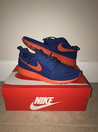 pair of blue Nike running shoes with box Palmetto Bay, 33157