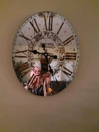 Oval Clock, works well.