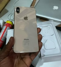 Brand new gold iphone xs max(256 gb) MOUNTAINVIEW