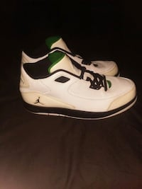 White black green Nike air jordan after game shoes Hagerstown, 21740