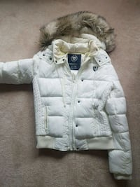 American eagle like new winter coat. Worn once!  Vaughan