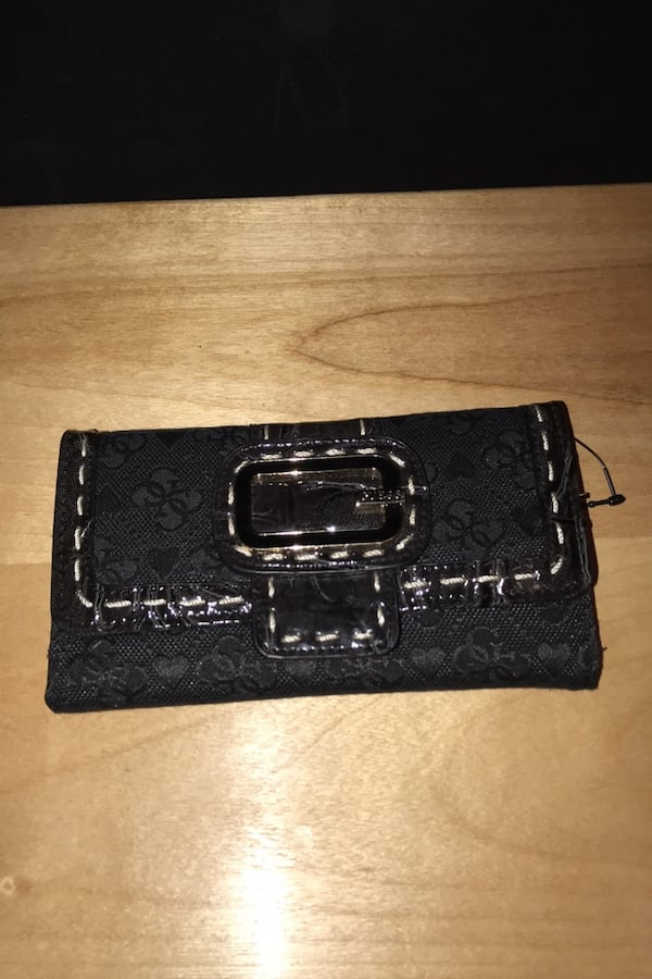 New guess wallet d4c8b207-db43-4419-ae69-9aa5547e2873
