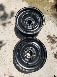 "(2) 15"" Ford rims clean"