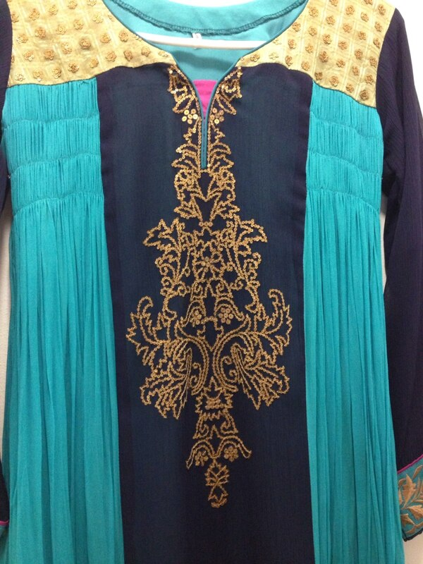 Indian party wear dress (very very good condition) 4beb8f1f-f981-4c27-a27d-7821bd1e3f18