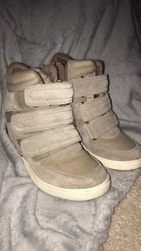 pair of gray Nike high-top sneakers Mississauga, L5L 5H7