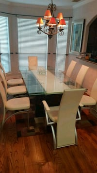 Dining table with white leather chairs Houston, 77007