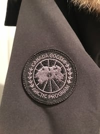 Black Canada Goose Woman's jacket XS with receipt