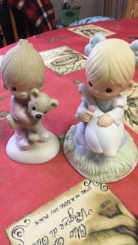 Precious Moments figurines, $12 for the set of two. Mississauga, L5M 3V5