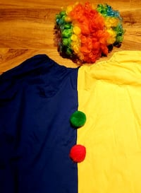 Clown costume $10. Markham, L3T