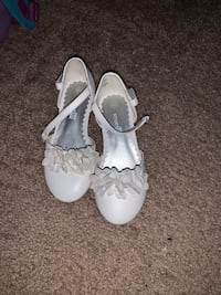Girl's Dress shoes size 9.5