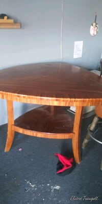 Tiger wood triangle dining table 3255 mi
