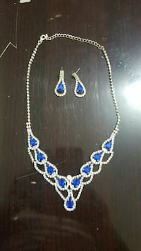 Jewelry set necklace and earrings Brampton, L6R 1N1