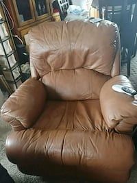 Leather recliner Big Lake, 55309