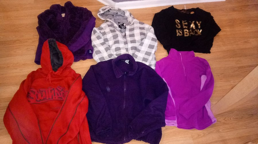 17 women's Size larage and xl jackets/ hoodies all 2bd38467-4137-4426-9b08-5122f7bb2461
