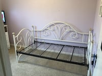 White metal twin bed frame Muskegon