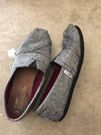 Toms and heels Milton, 30004