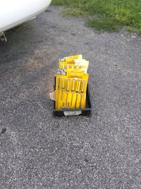 14 packs of 7 screwdrivers in box Daleville, 47334