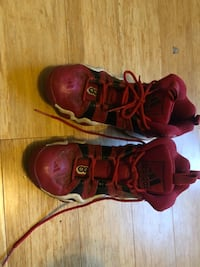 Red Sneakers Size 9 Mens Holden, 01520