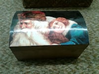 Santa Claus with girl graphic wooden trunk Aberdeen, 39730