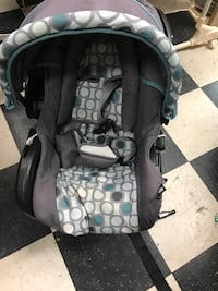 baby's black and gray car seat carrier Surrey, V3T 5W2
