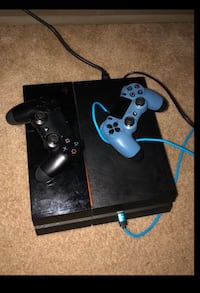 PlayStation4 Comes with 2Controllers! & USB CHARGER!