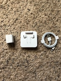 Apple charger cable and headphones Matawan, 07747